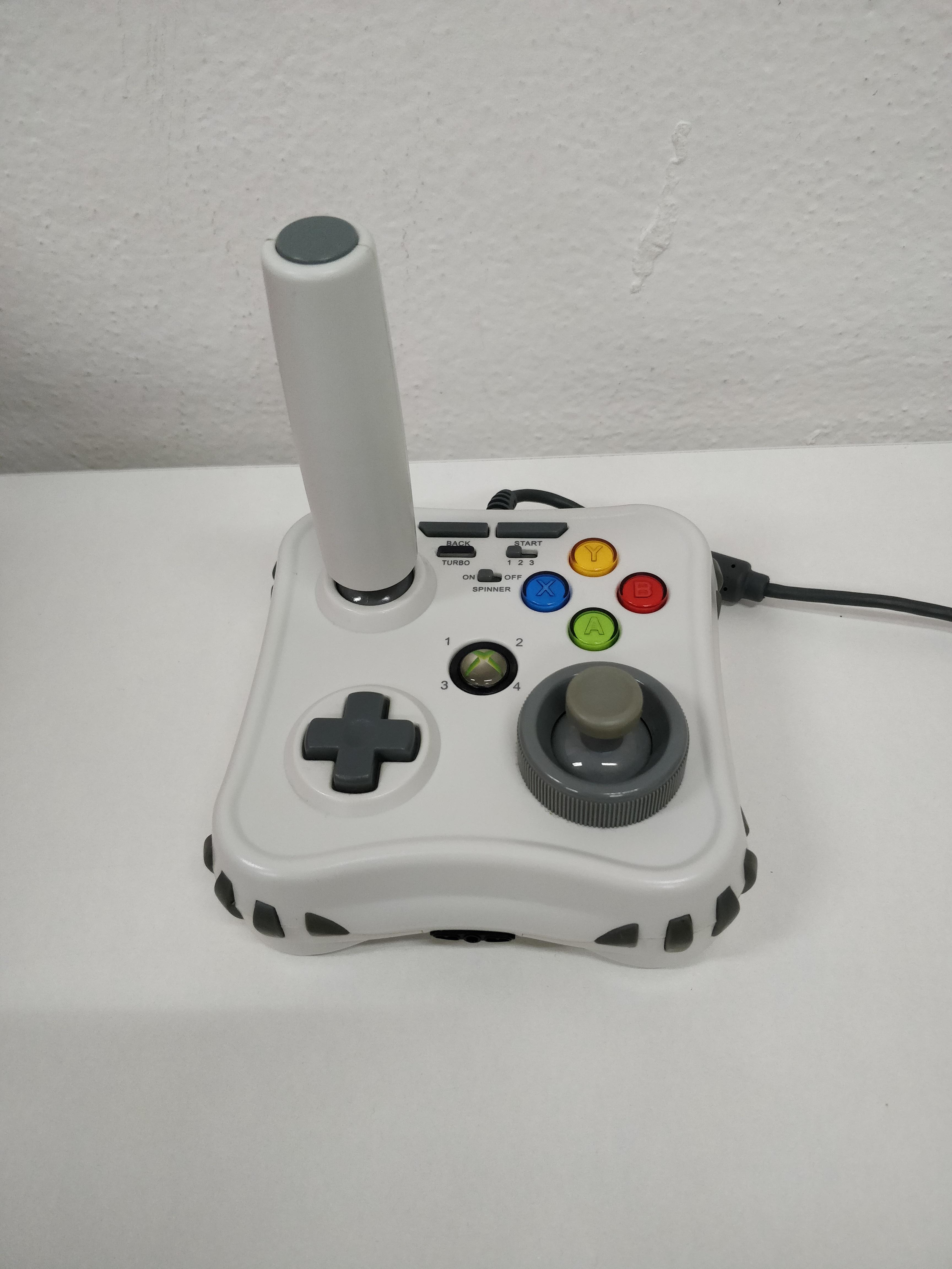 [Xbox 360] MadCatz Arcade Game Stick + USB redukce (estetická vada)