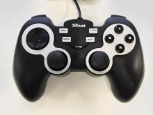 [PS3|PC] Drátový Ovladač Trust Crossfire (estetická vada)