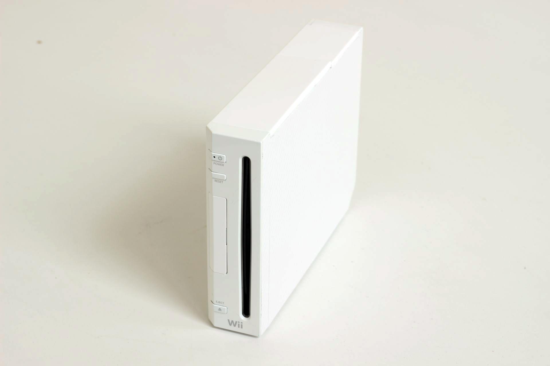 Nintendo Wii - herní konzole - bílý carbon (estetická vada)
