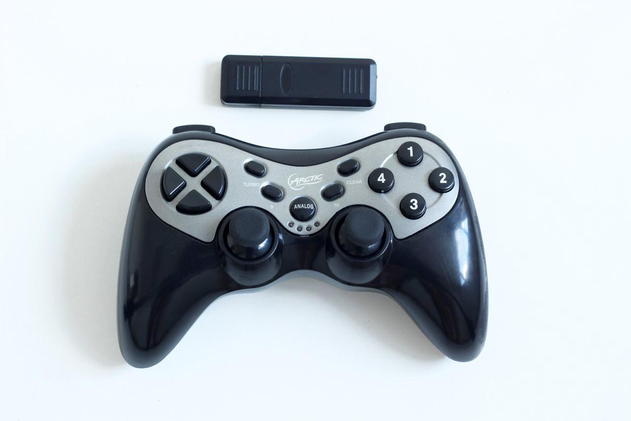 [PS3] Bezdrátový Ovladač Arctic na USB přijímač - černý (estetická vada)