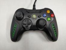 [Xbox 360] Drátový Ovladač PowerA Air Flo - černozelený (estetická vada)