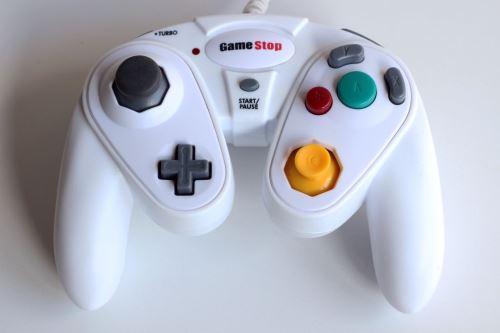 [Nintendo GameCube] GameStop ovladač