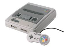 Super Nintendo Entertainment System 1990 - herná konzola (estetická vada)