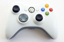 [Xbox 360] Bezdrátový Ovladač Microsoft - bílý (estetická vada)